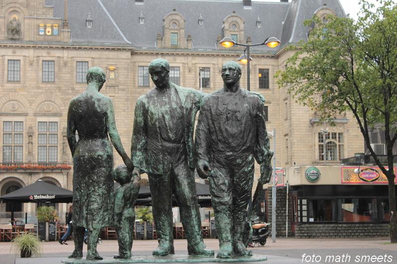 Herrijzend Rotterdam, beeld van Mari Andriessen