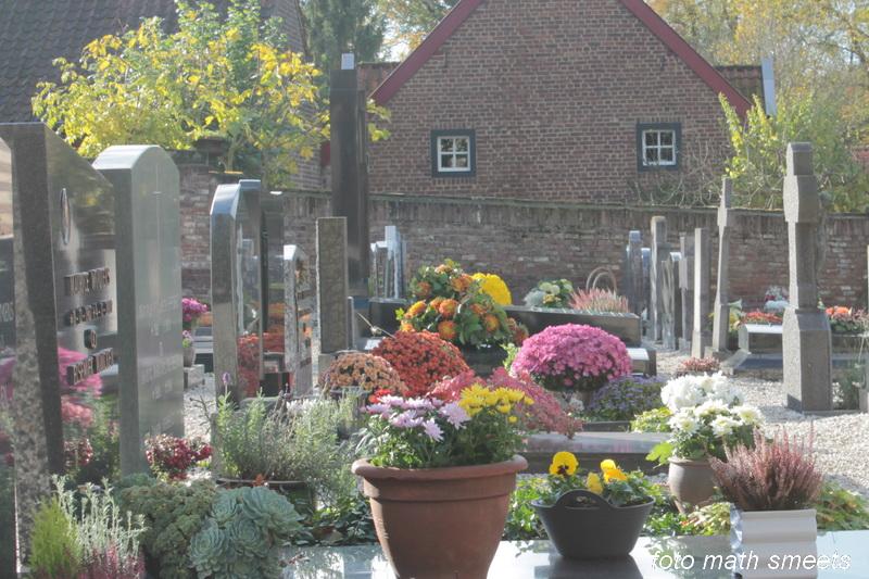 kerkhof bij de Augustinus kerk